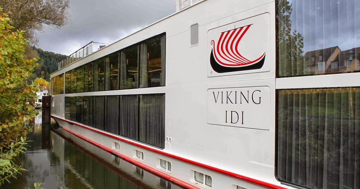 Viking river longship Idi